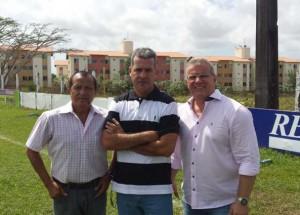 Vinícius Saldanha entre Batista Olieiera e Sergio Frota