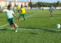 Dudu iniciou o treino entre os titulares