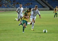 Pimentinha desmontou a defesa do Bragantino e marcou 2 gols