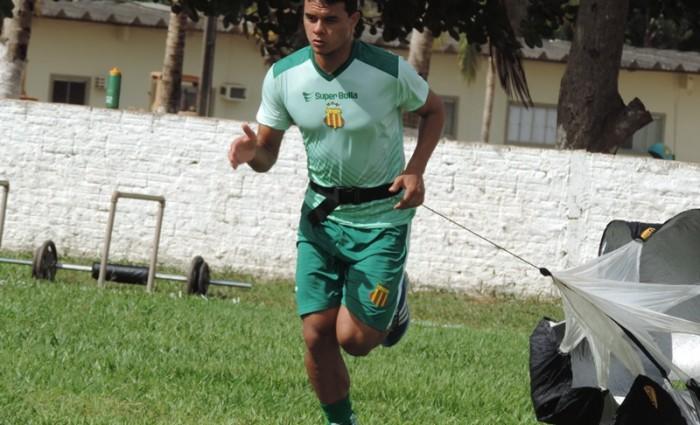 Geraldo já treina forte no Sampaio