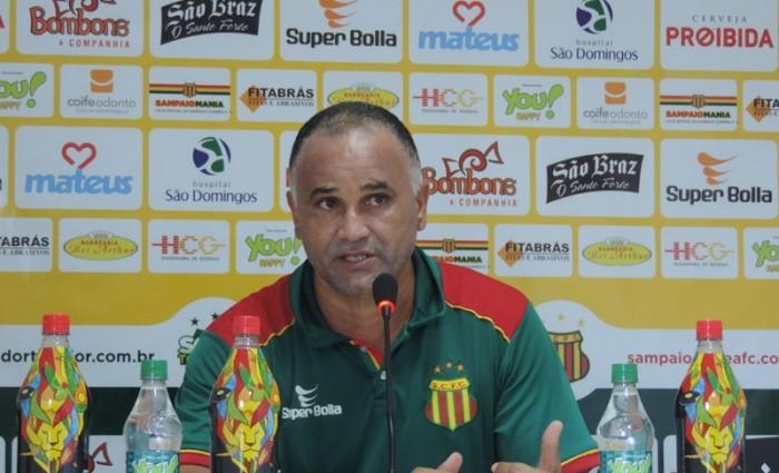 Oliveira Canindé estuda time para a estreia no estadual