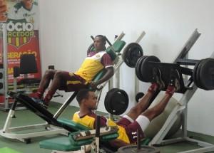 Jogadores fizeram trabalho de reforço muscular