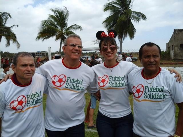 Sergio Frota com o vereador Chico Carvalho, Batista Oliveira (presidente da Atasc) e Sara Casteli.