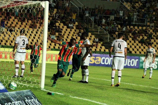 Sampaio bate o Tupi e conquista segunda vitória (Foto: Elias Auê)