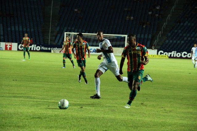 Sampaio amassou o Paysandu, mas ficou no empate (Foto: Elias Auê)