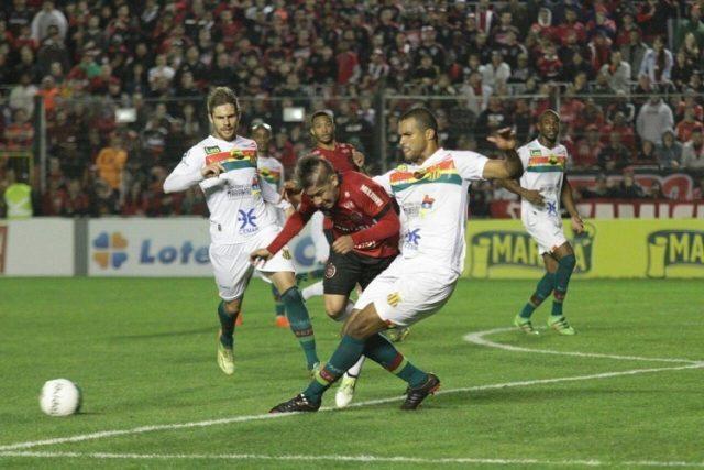 Tricolor ficou no empate contra o Brasil de Pelotas (Foto Carlos Insaurriaga/GE Brasil)