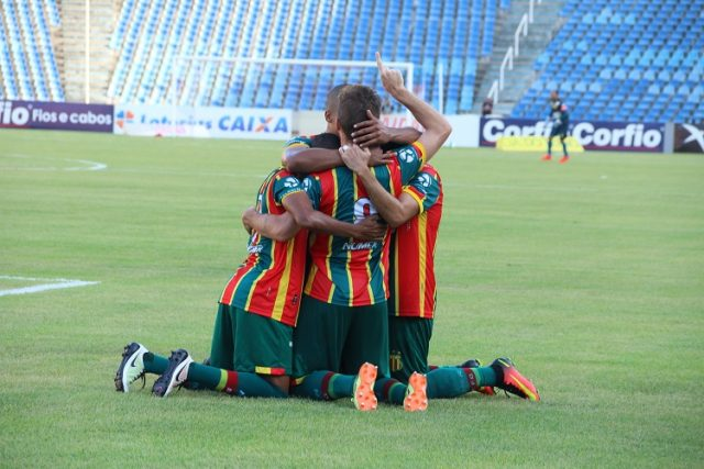 Presidente fecha com o grupo Tricolor pela permanência na Série B