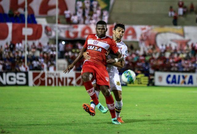 Sampaio sofreu derrota em Maceió (Foto: Ailton Cruz/Gazeta de Alagoas)